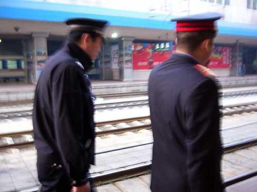 長春駅の様子 © 有限会社田中印刷所