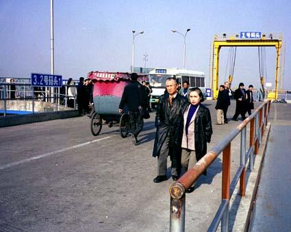第1回 上海(2002年1月31日〜2月3日) © 有限会社田中印刷所