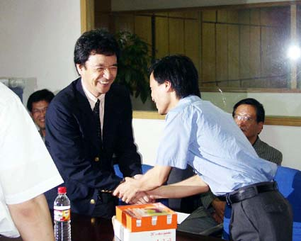 精英彩色の社長より若い29歳の劉社長。(良虹印刷有限公司) © 有限会社田中印刷所