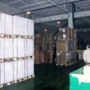 日本のように印刷用紙がジャストインタイムで入荷しないため、紙の在庫は多い。(西口印刷有限公司)