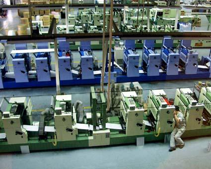 何色あるのか数えるのが輪転機。(伊諾爾有限公司) © 有限会社田中印刷所