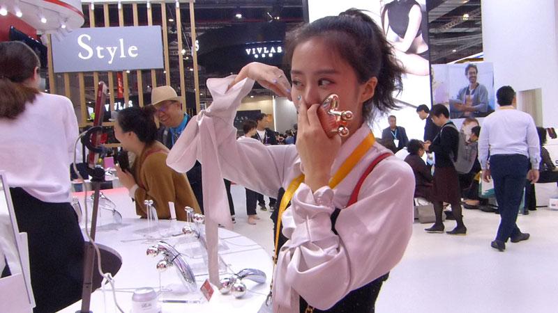 ワンホン(網紅)で有名な女性